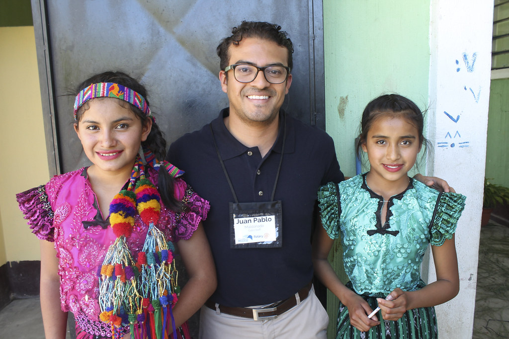 Juan Pablo with students