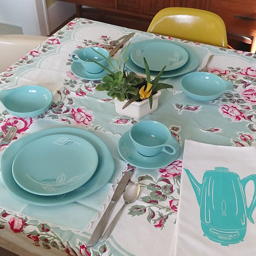 color of the month table setting Jan 2018