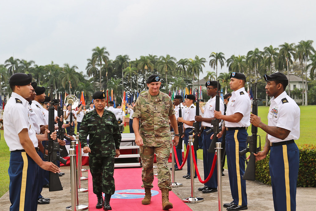 U S  Army leadership honors Royal Thai Army Commander-in-C