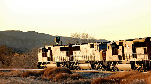 trains railroads unionpacific up sunsetroute santimoteocanyon locomotive emd sd70m