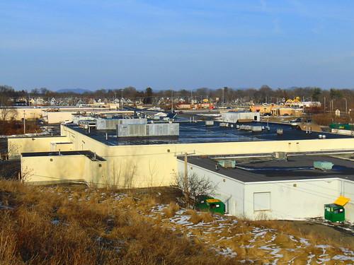holyoke shopping center massachusetts january 21 2018 plaza roofs back side