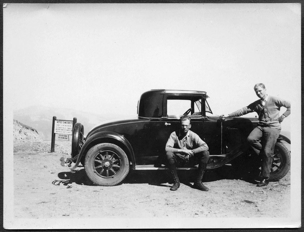 Archiv A140, Auf dem Mt. Washburn (front), 1929