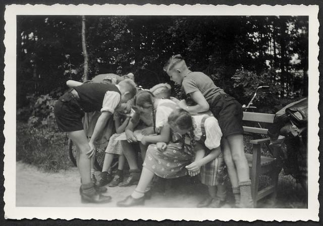 Archiv O873 Mit den Mädchen unterwegs, 1930er