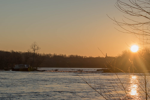 nikond5500 richmond virginia jamesriver pontoonboat winter water sunrise