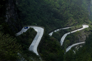 SUPERCAR BEATER: RANGE ROVER SPORT SVR SETS TIANMEN ROAD RECORD | by landrovermena