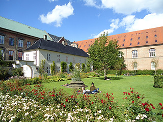 Copenhague relax in garden | by ba2 Proyectos