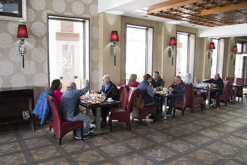 Desayuno en el Hotel Select, en Tahuima, Nador