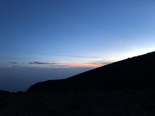 kilimanjaro kili tanzania barranco sunrise