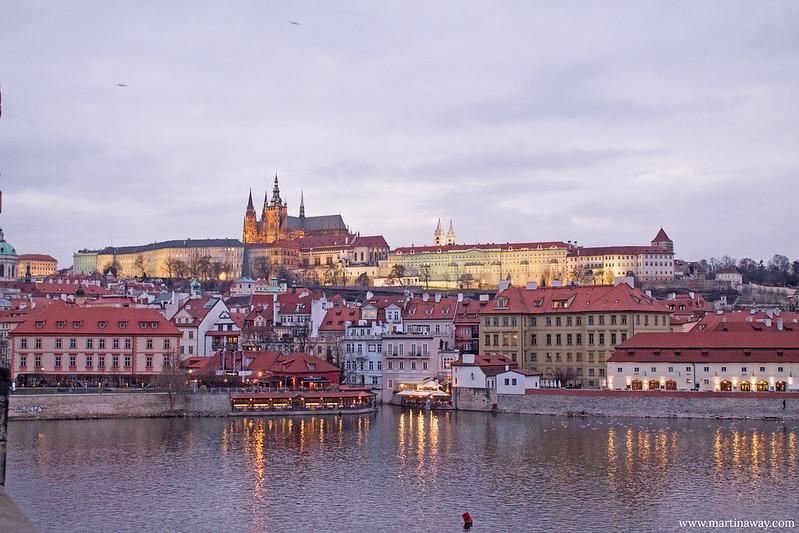 Il Castello visto da Ponte Carlo, curiosità su Praga