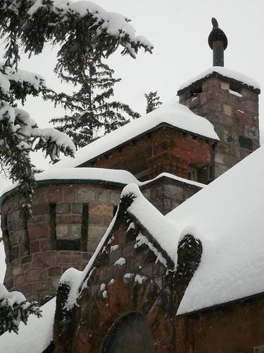 cemetery graveyard ypsilantimichigan highlandcemetery winter starkweather chapel building snow