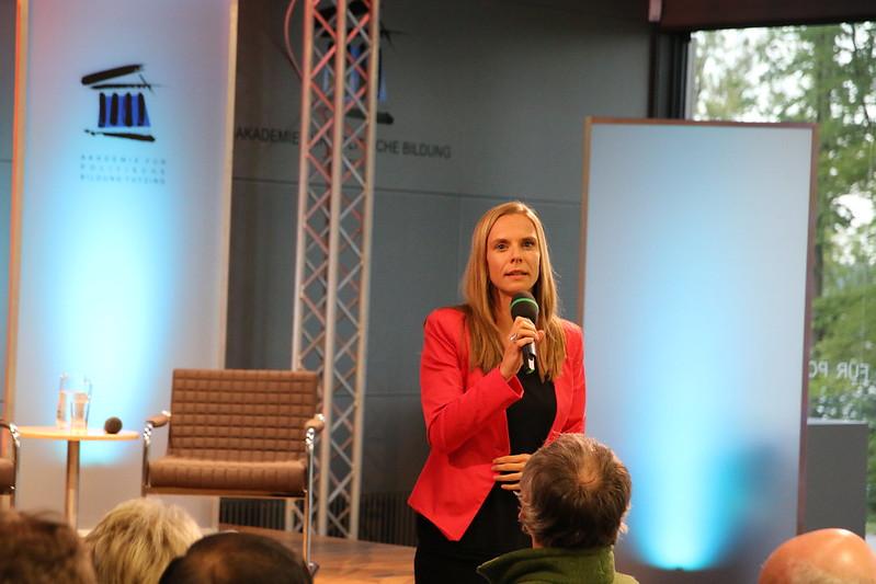 Dr. Anja Opitz