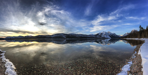 gnp montana glaciernationalpark glacierpark lake mountains winter water panorama pano iphone iphone6