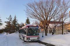 新鶴温泉で発車を待つ会津バス