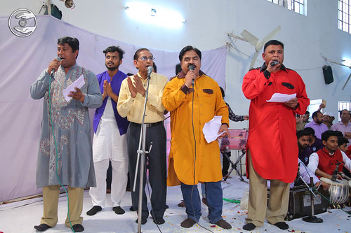 Devotional song by Babu Geetkar and Saathi from Sant Nirankari Colony