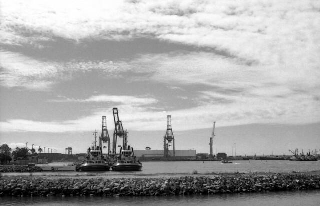 Puerto (Nikon F2 Marzo 18004)