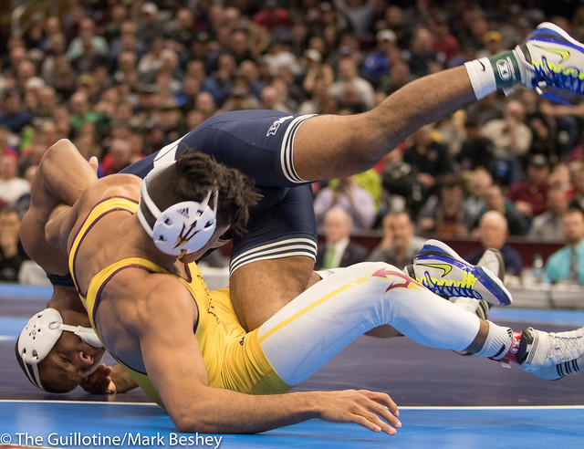 174 1st Place Match - Zahid Valencia (Arizona State) 32-0 won by decision over Mark Hall (Penn State) 32-1 (Dec 8-2) - 180317emk0024