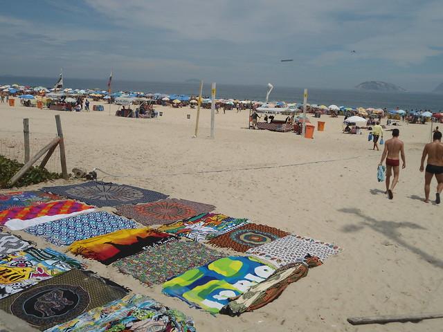 Pareos y toallas de playa, Playa de Ipanema, Carnaval de Río de Janeiro 2017, Ipanema, Brasil/Cangas and beach towels, Ipanema Beach, Rio Carnival 2017, Ipanema, Brazil - www.meEncantaViajar.com