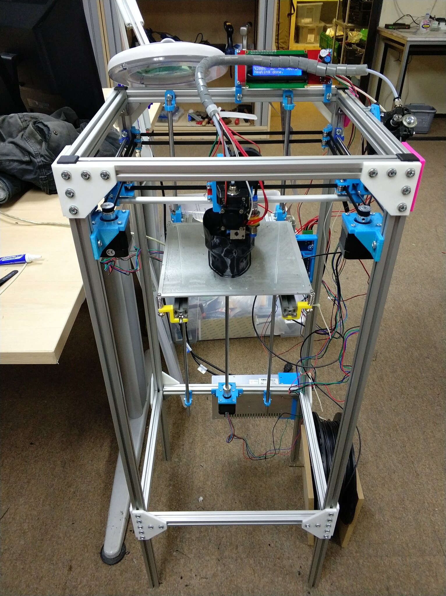 Tall hypercube printing a skull in case mode.