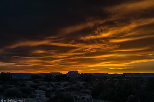 whitecrackcamp sunset canyonlandsnationalpark islandinthesky mazedistrict ekkerbutte publiclandforpublicuse utah