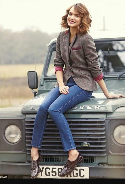 Land Rover Models : Defender