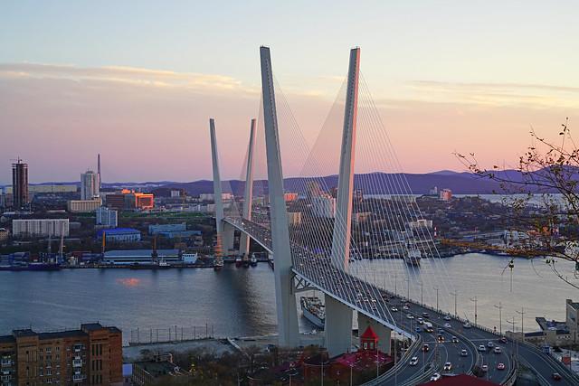 Zolotoy Bridge, Vladivostok, Russia