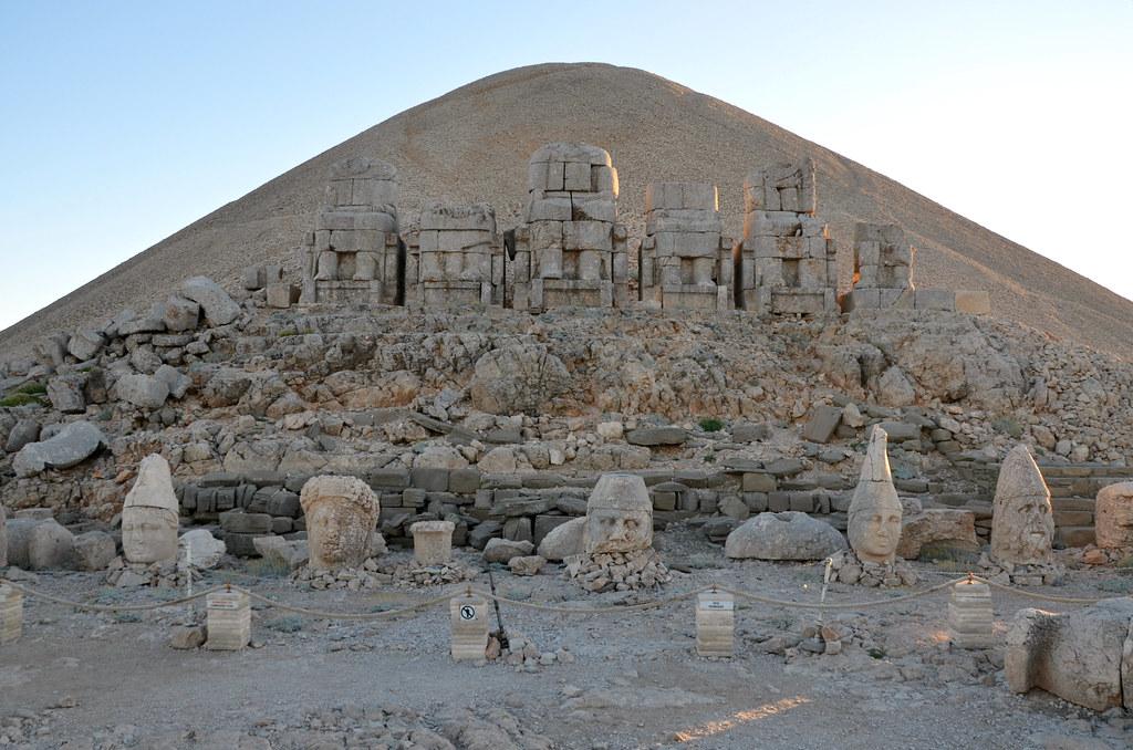 руини царство Комагена