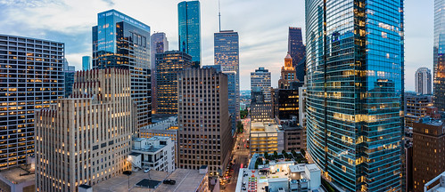 panoramic pan panorama downtown downtownhouston houston htx htown hou houstontx houstontexas houstonskyline raulcano 2018 texas tx sky skyline buildings canon 80d city cityscape citylights lights photography landscape skyscrapers tower