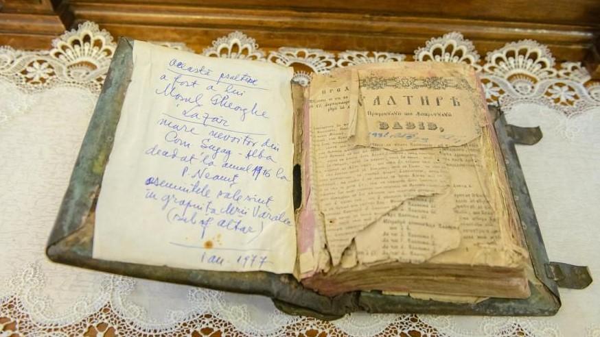 Psaltirea-Sfântului-Gheorghe-Pelerinul-se-află-la-Mănăstirea-Văratec