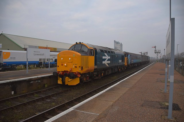 Large Logo 37407 top n tail with 37425 arrives with the empties at Lowestoft, ready to form the 07.47 service train back to Norwich. 21 02 2018