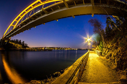 bridge path lights reflections water happyfencefriday hff sky fence svindersviksbron svindersviken nacka sweden olympus em1 samyang75mm jenshaggren