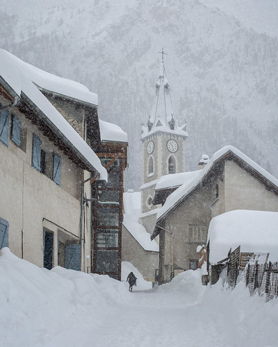 europe france hautesalpes alpes alps church église snow belltower village neige montagne mountain mood houses silhouette people canon eos ef50mmf12l couprie