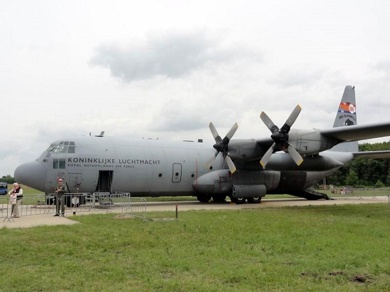 Lockheed C-130H Hercules 1