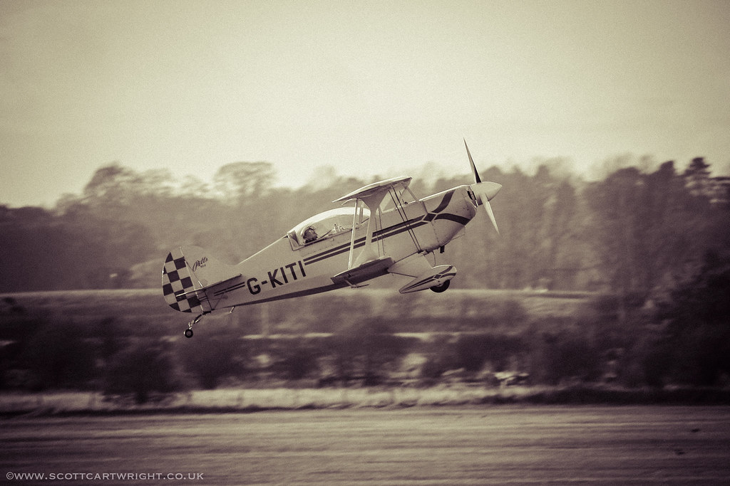 Pitts Special S-2E G-KITI