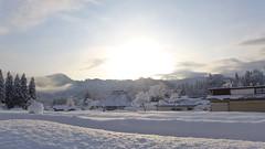 一面雪景色の名入集落 手前の溝は線路