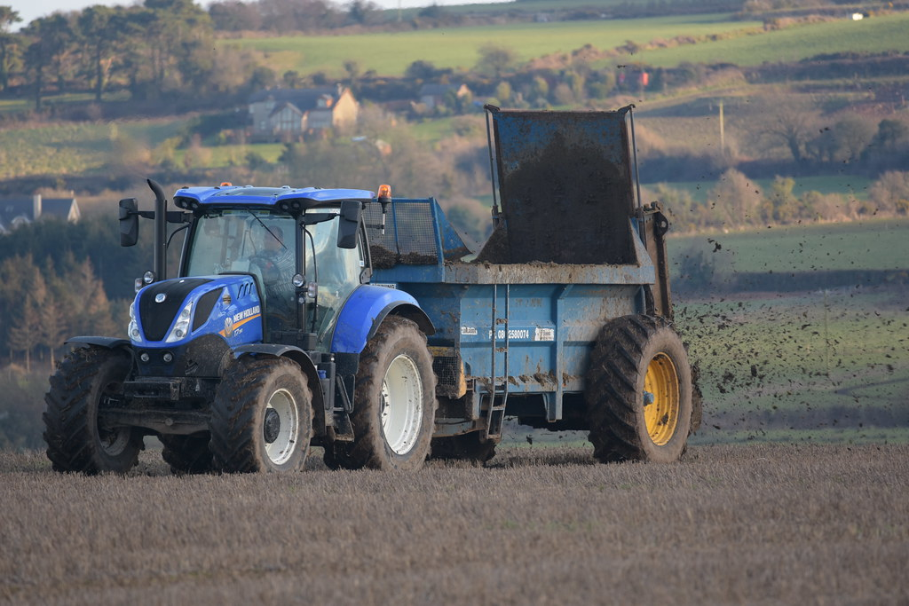 New Holland T7 190 Tractor with a Bunning Lowlander 105 Re
