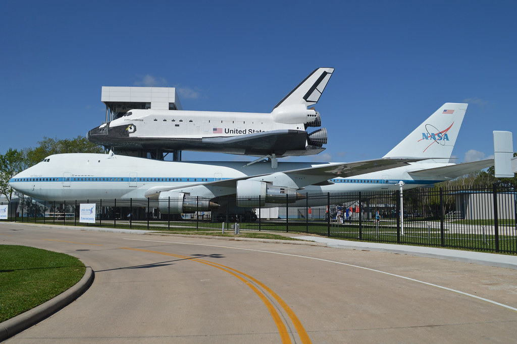 Boeing 747 123 N905na With Replica Space Shuttle Orbiter