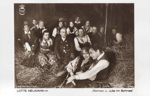 Lotte Neumann and Gustav von Wangenheim in Romeo und Julia im Schnee (1920)