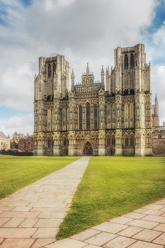 wells cathedral cathedrals architecture buildings building religion historic history cloud sky grass path england landscape landscapes landscapephotography landmark landmarks canon efs1585mmisusm eos100d eos