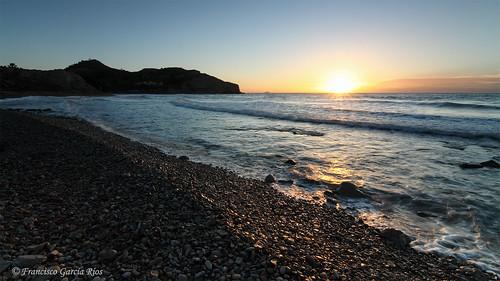 caladelcharco villajoyosa costablanca alicante españa spain amanecer sunrise dawn sun sol mae sea playa beach mediterranean mediterráneo paisaje marine seascape landscape wbpa recesvintus tokina1116