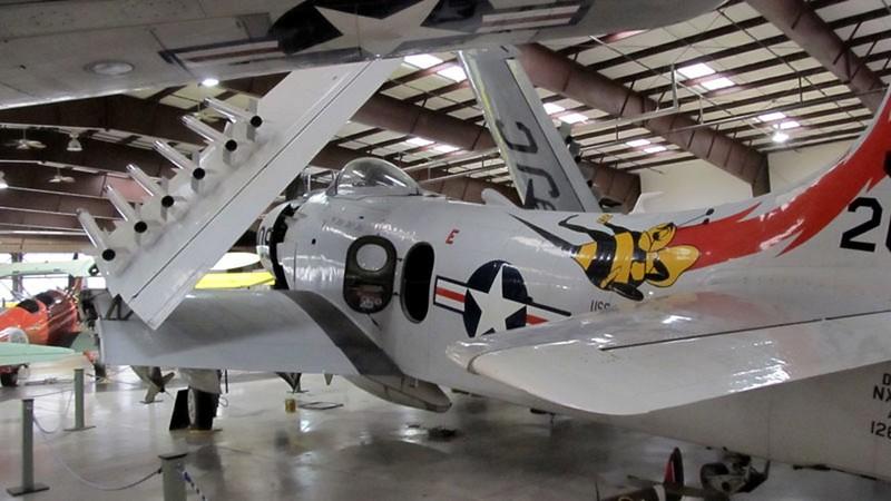 Douglas AD-4NA Skyraider 3