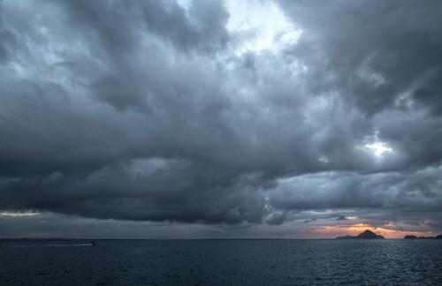 sunrise portstephens clouds storm water dawn