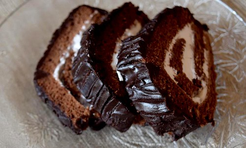 Chocolate roll Cake slices