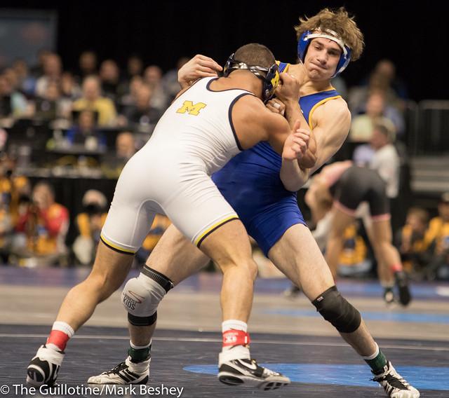 157 Quarterfinal - Alec Pantaleo (Michigan) 20-5 won by decision over Luke Zilverberg (South Dakota State) 32-9 (Dec 8-5) - 180316amk0089