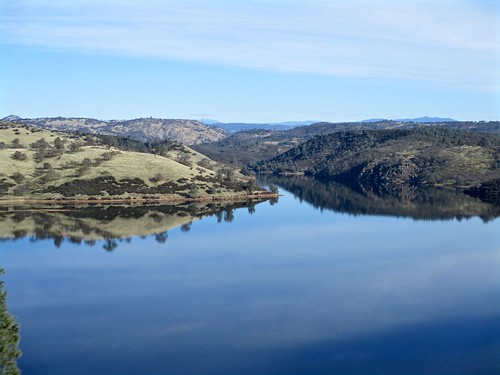 reservoir pardeelake eastbaymunicipalutilitiesdistrict ebmud canonpowershotelph180