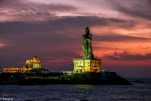 thebreakofdawn daybreak sun dawn sunrisetime sunrise sky skylinesky skyline skyshot kanyakumari swamivivekanada viveranandarock thiruvalluvar beach sea ocean