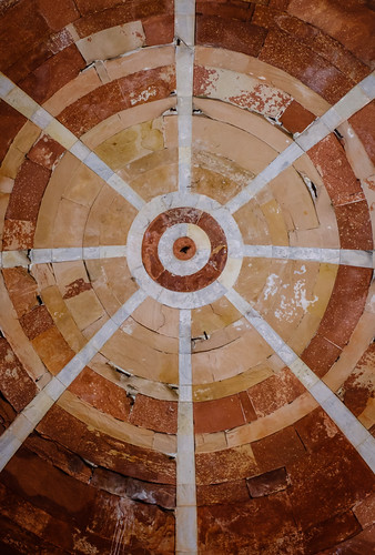 Beneath the Dome | Imam Zamin's Tomb, Delhi, India | by t linn