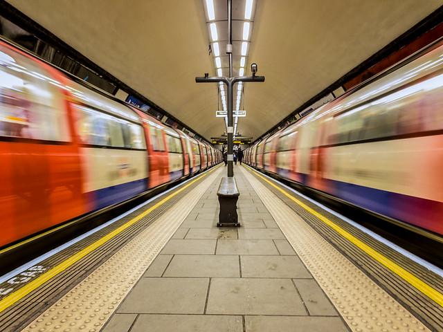 Clapham Common Tube 175749