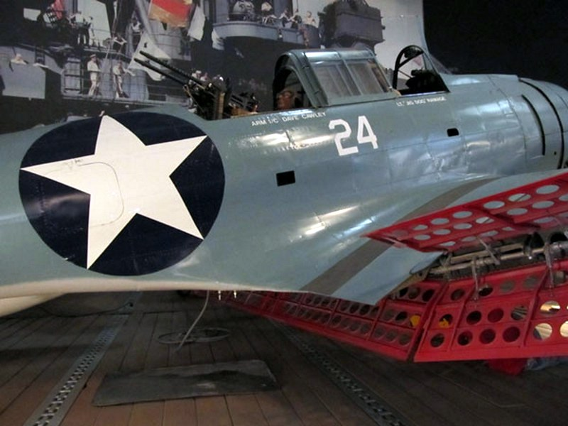 Douglas SBD-4 Dauntless 3