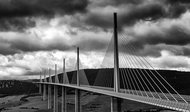 Le  pont de Milliau  Aveyron