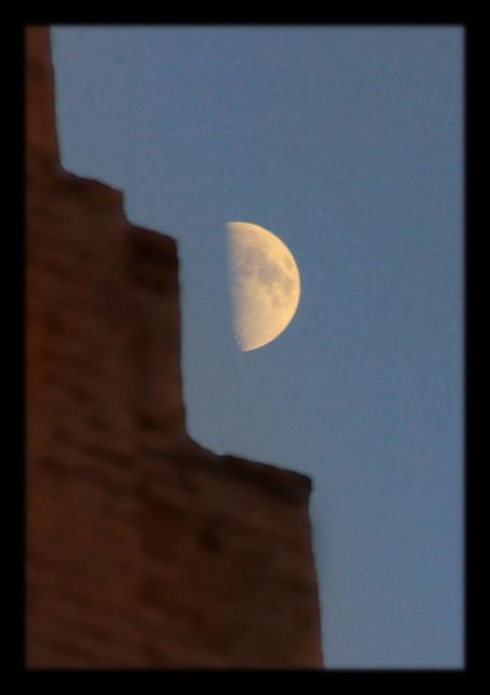 Chiwa UZ - Ichan Qal'а with half moon